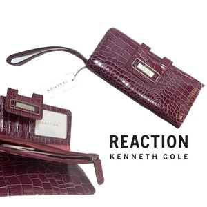 New with tags Kenneth Cole reaction clutch